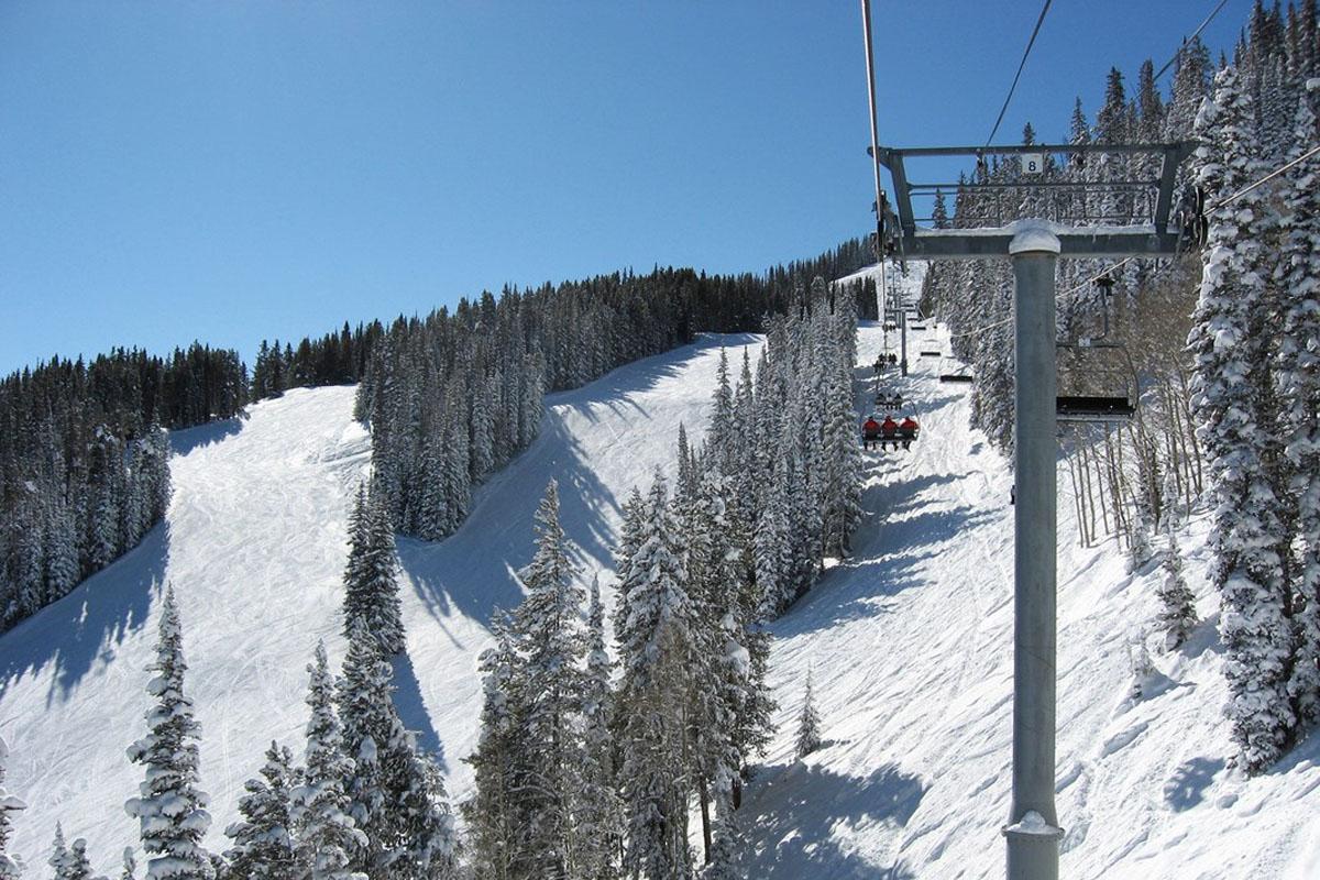 Book your Private Charter to Aspen, Colorado