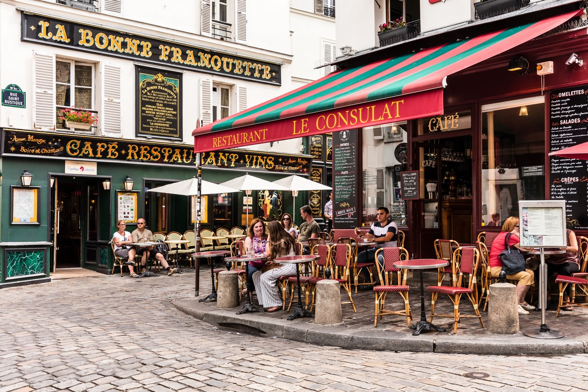 Charter a Private Jet to Paris